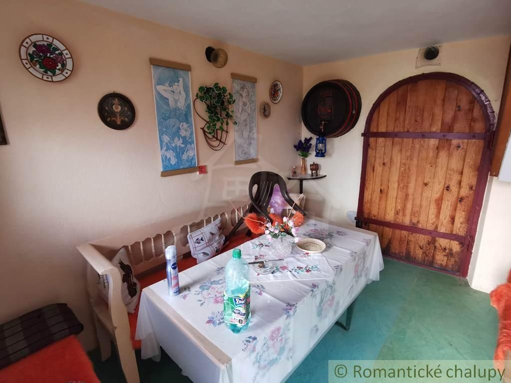 2. Murovanu00e1 chata s vu00ednnou pivnicou na juhu Slovenska - Zu00e1horce