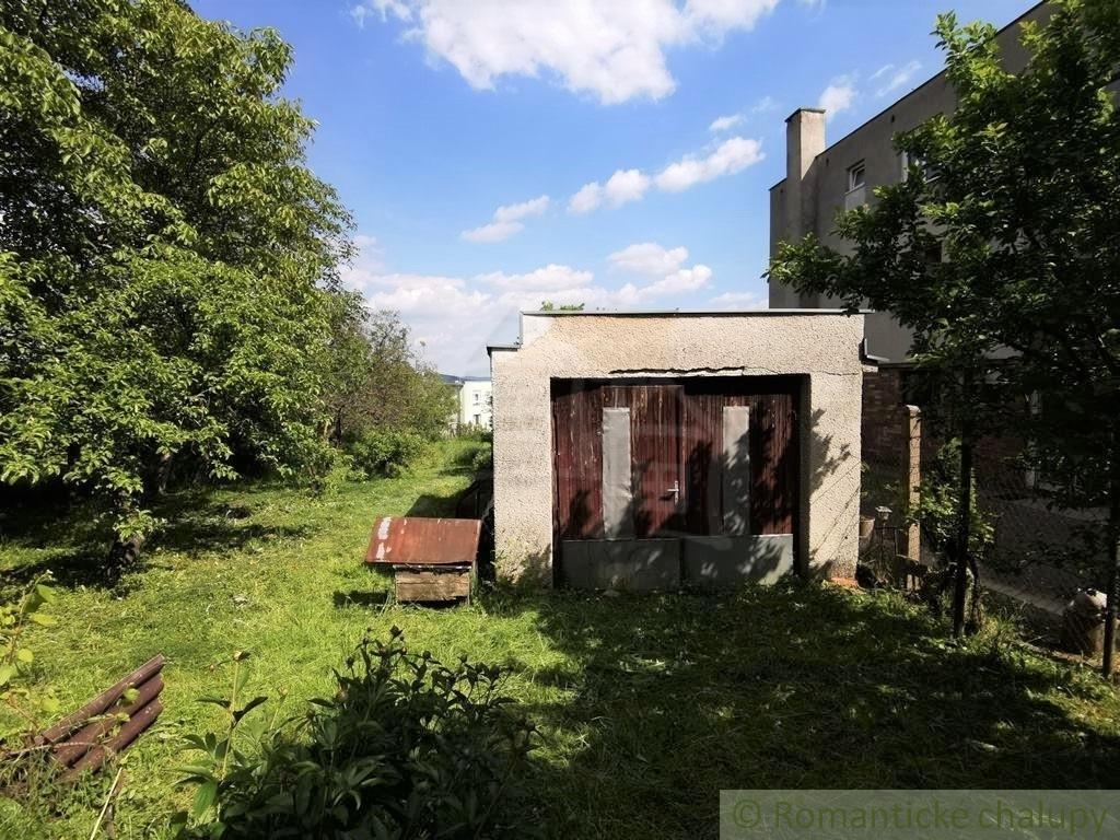 3. Rodinnu00fd dom v okrajovej u010dasti obce Pukanec