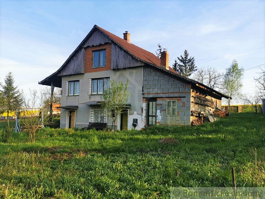2. Rodinnu00fd dom chalupu00e1rskeho ru00e1zu na okraji obce - Lesenice