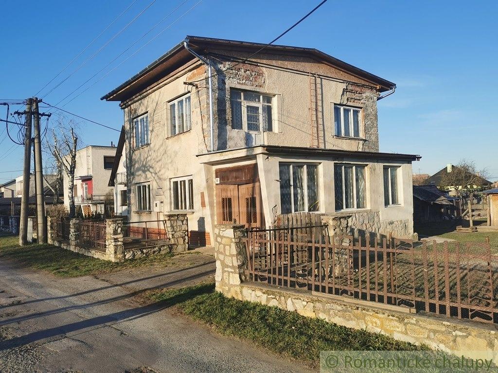 1. Rodinnu00fd dom v sluu0161nej obci so zapou010datou rekonu0161trukciou - Veu013eku00e1 u010calomija