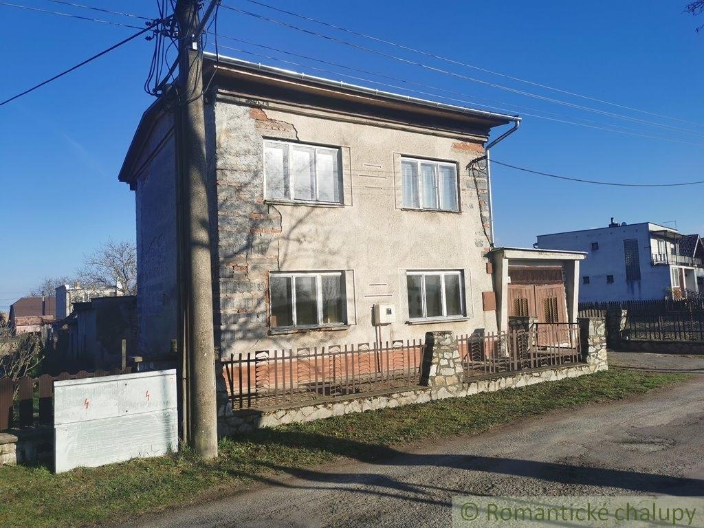 3. Rodinnu00fd dom v sluu0161nej obci so zapou010datou rekonu0161trukciou - Veu013eku00e1 u010calomija